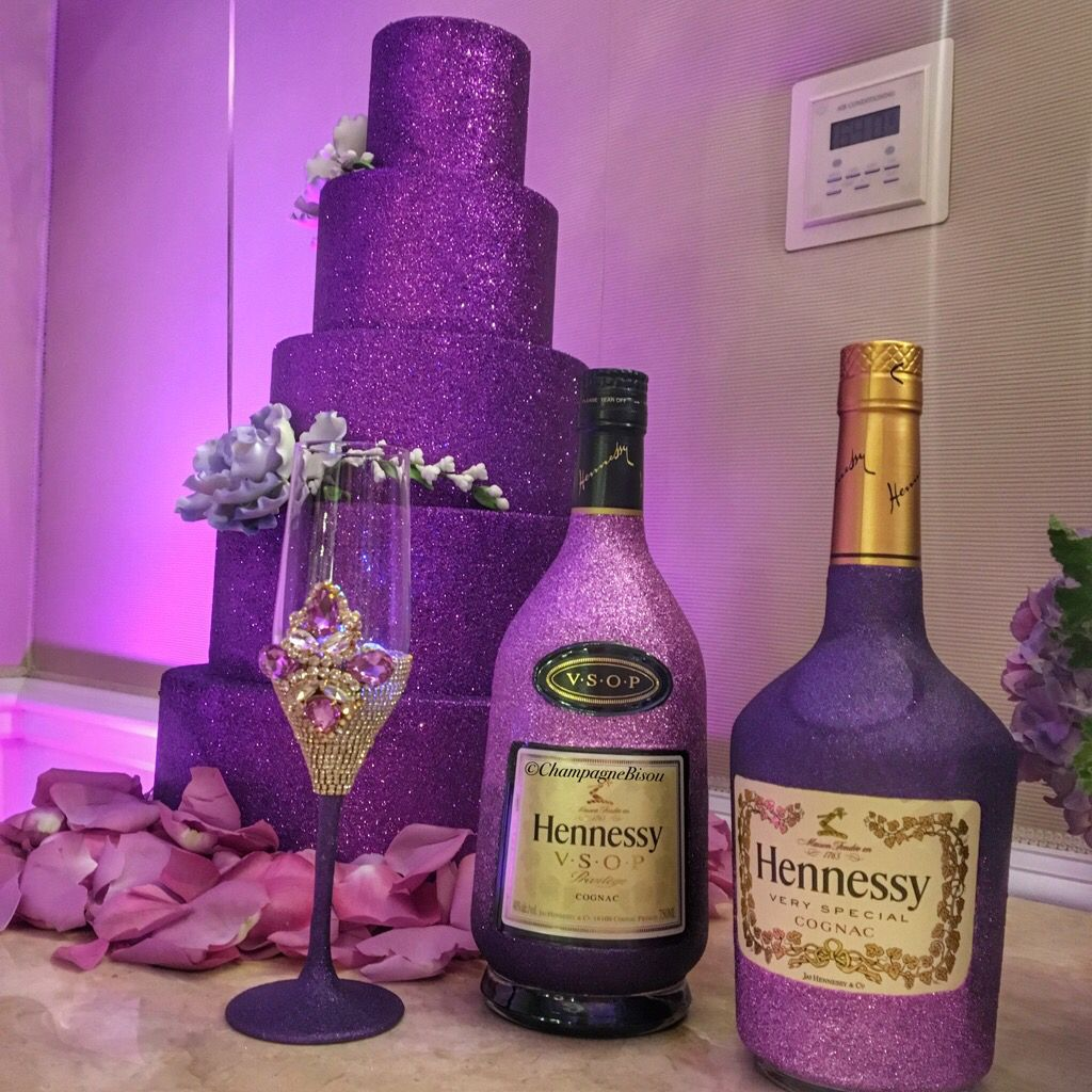 Glitter Hennessy Glam Bottles Glam Cup By Champagne Bisou Contact To Order Champagnebisou Gmail Decorated Liquor Bottles Glitter Bottle Bottles Decoration