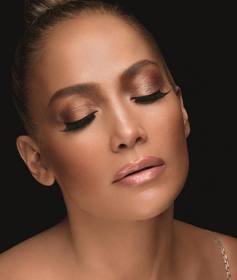 This Is How Jennifer Lopez Really Looks Without Any Makeup