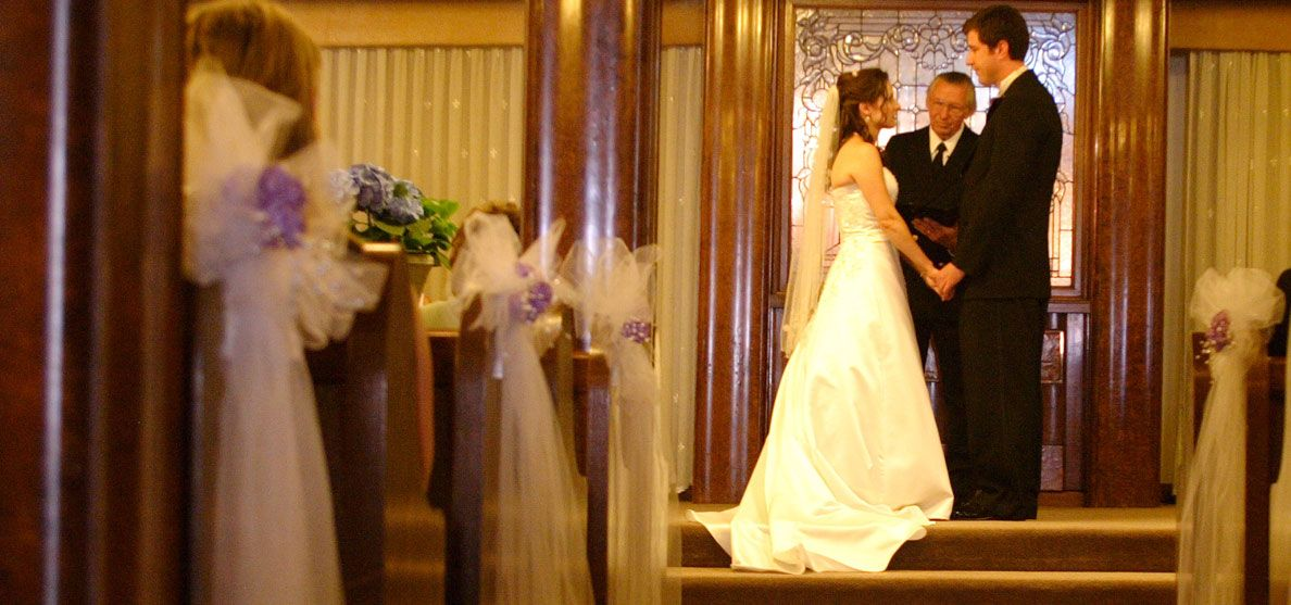 The Queen Mary In Long Beach Overlooks Pacific Ocean And We Provide Various Weddings Packages