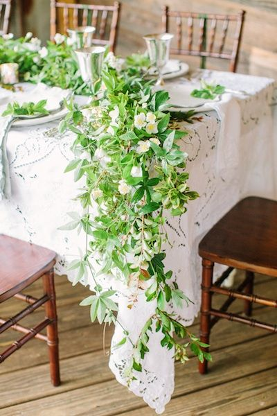 Green Garland || Southern Living:  love the lace. . . would be great over a standard colored linen.
