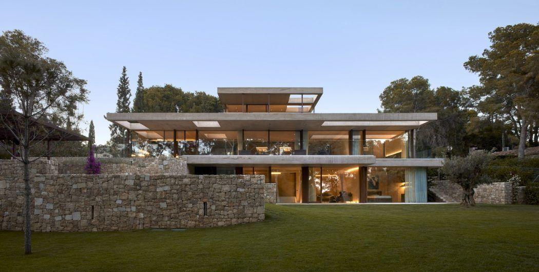 Captivant House In Madrid By Ramón Esteve Estudio | HomeAdore