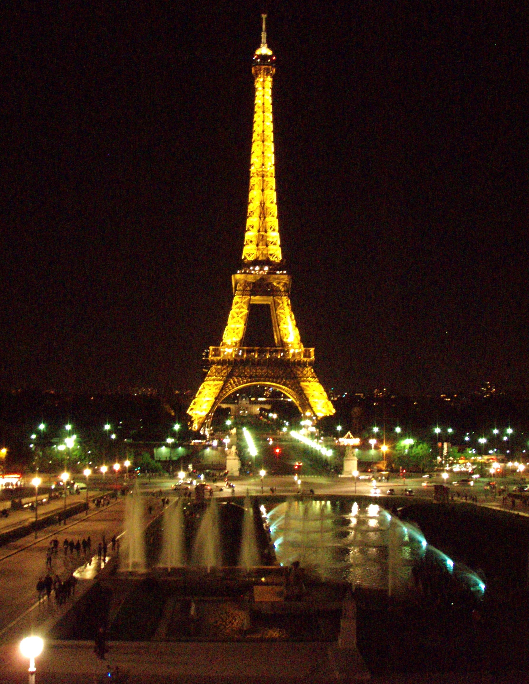 The Eiffel Tower At Night So Romantic Travel Together Eiffel Tower At Night Eiffel Tower Paris Pictures