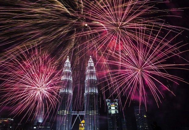 Top Places For 2020 Nye Fireworks In Asia New Year Fireworks