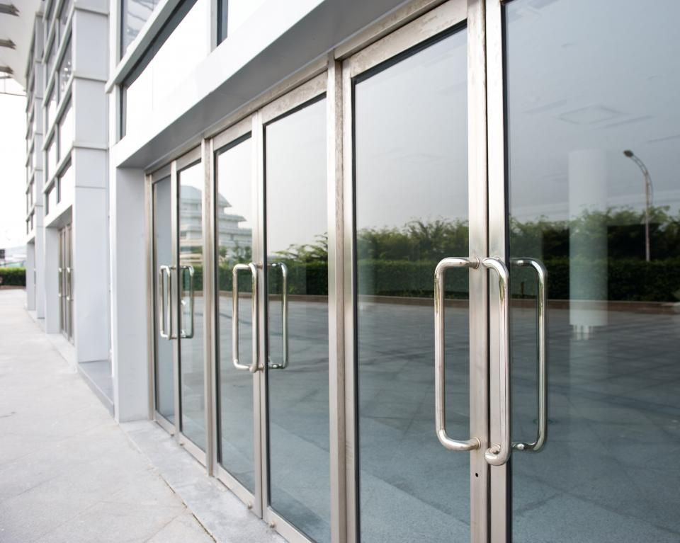 Commercial Door Installers Can Help Give Your Commercial Building Just The Perfect First Hand Impression You Commercial Glass Doors Glass Door Storefront Glass