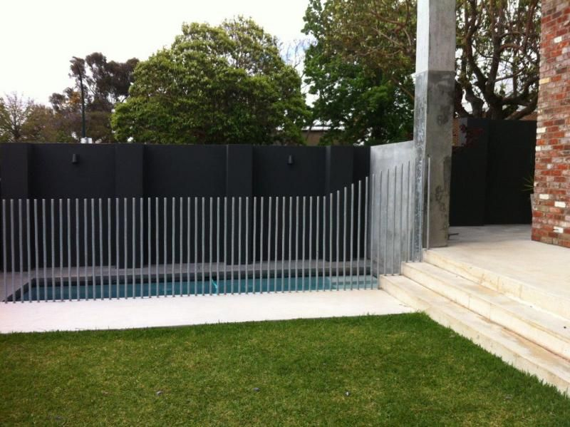 Unique Pool Fencing Hot Dip Galvanised Round Bar With No Horizontals In 2020 Pool Fence Exterior Round Bar