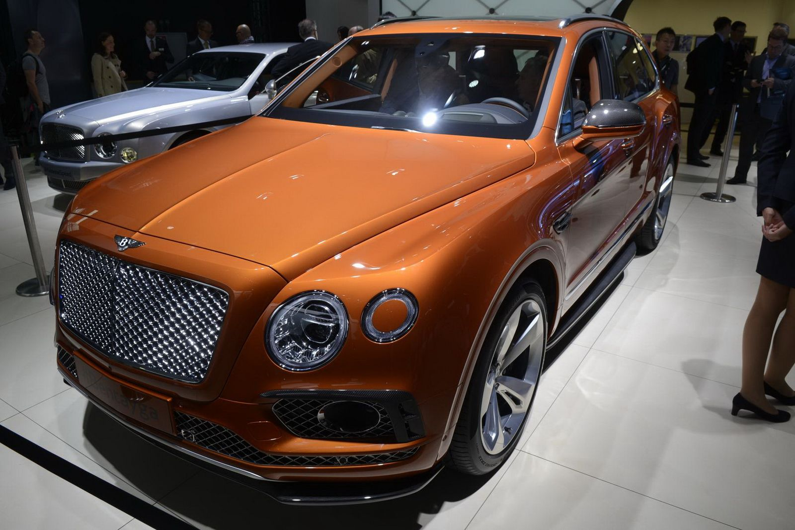 photo tag horsepower and review reviews bentayga article first suv bentley price with bronze drive truck car