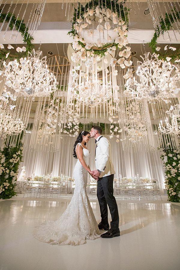 Luxury Southern California All White Wedding Strictly Weddings White Wedding Decorations White Wedding Theme All White Wedding