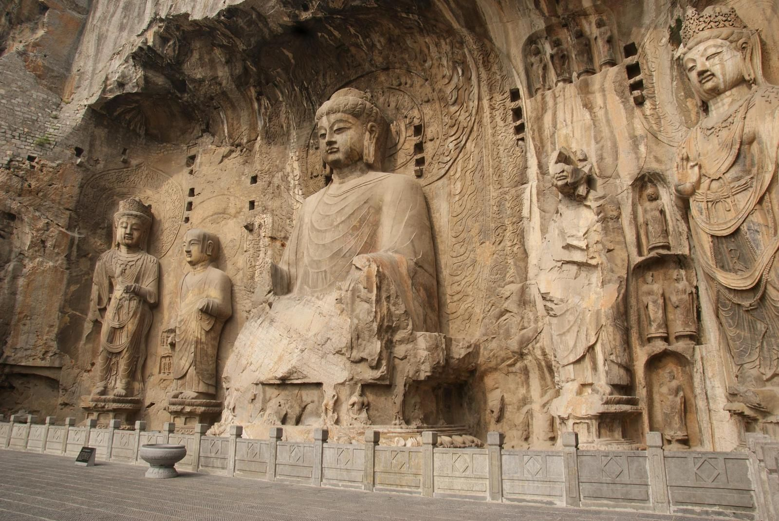 grottoes chatrooms Social networks aid army of tomb raiders in china print looters have been skulking around and digging up family treasures as long as rich sites filled with valuable artifacts have existed.