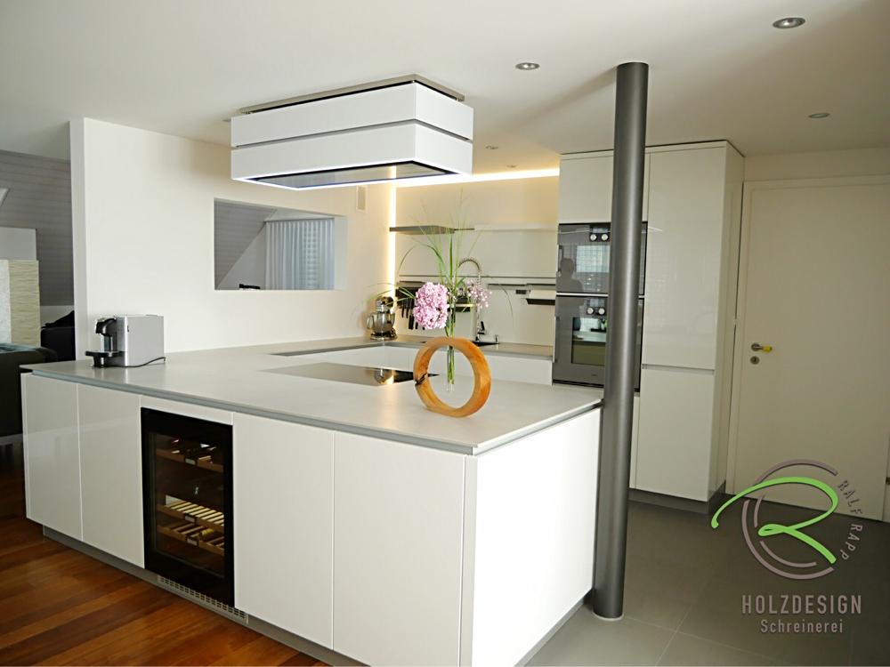 U-Küche in weiß Hochglanz mit Weinklimaschrank | Küchen | Pinterest ...