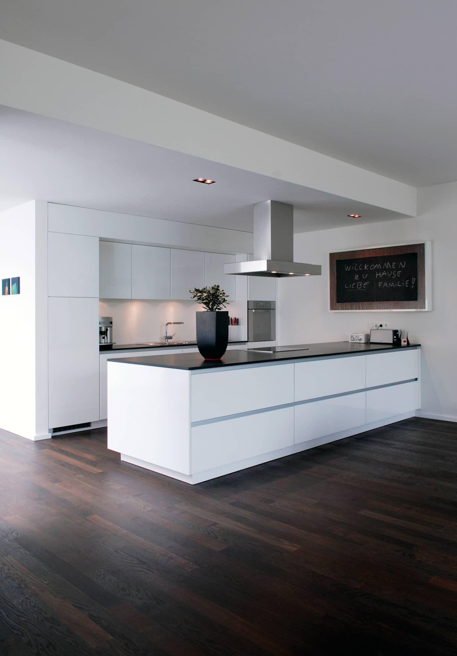 Wohnhaus bonn: küche von corneille uedingslohmann architekten #ideisuper