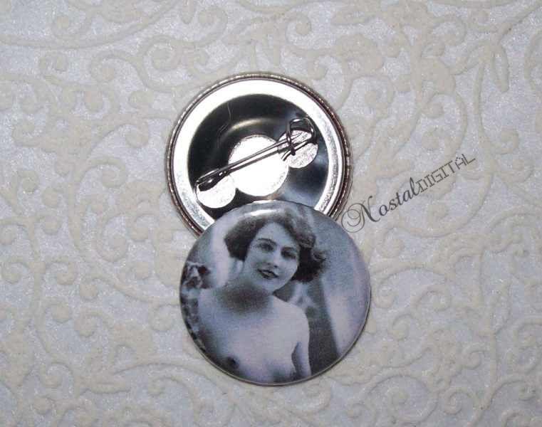 """25mm Button """" Sexy Lady 2 """" von nostaldigital auf DaWanda.com"""