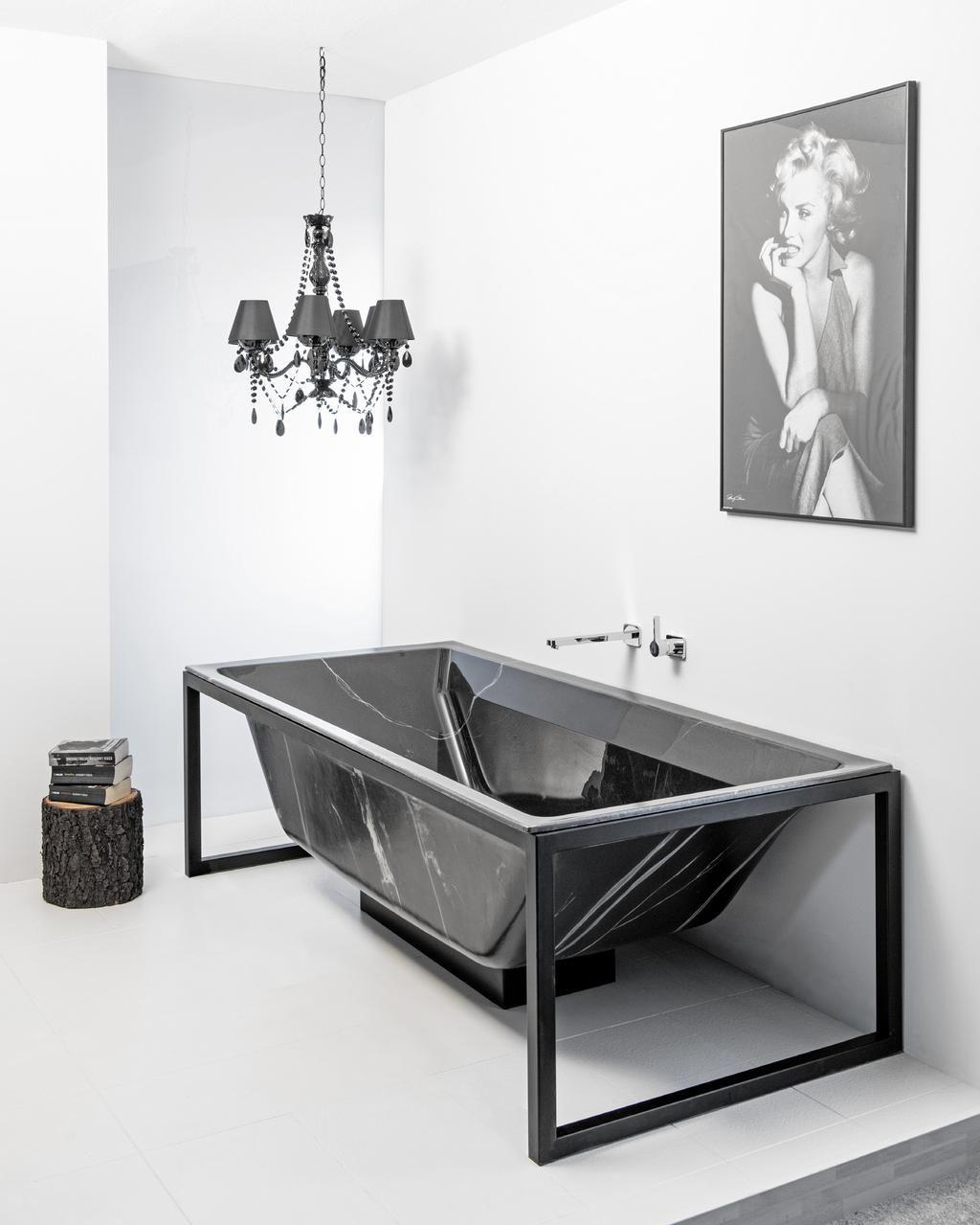 Moderner Luxus Badewanne Mit Steinberg Armaturen Bad Inspiration Duschsaulen Modernen Luxus