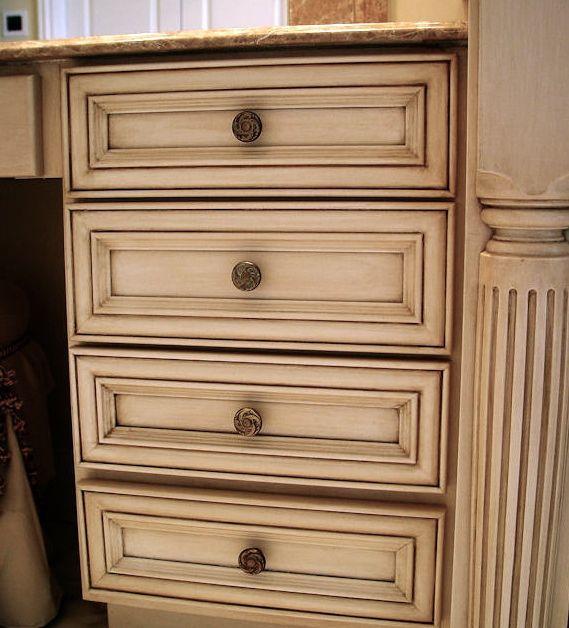 Off White Glazed Kitchen Cabinets: White Chocolate #Kitchen Cabinets