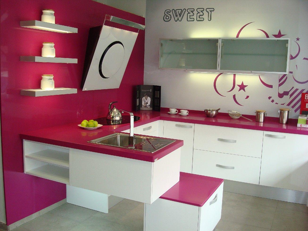 cocinas integrales decoracin del hogar cocinas pequeas cocinas modernas fucsia rosas encimeras cada blanco