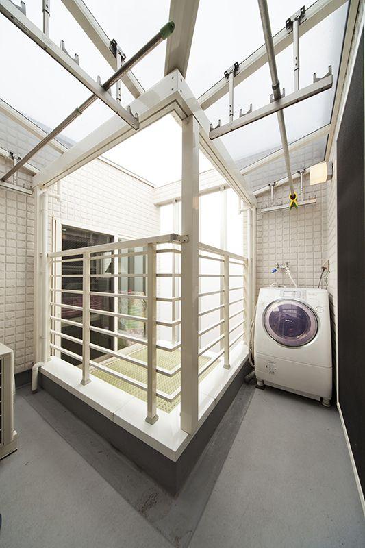 名古屋市昭和区にあるse構法による中庭のある狭小3階建てコートハウス