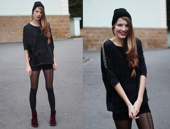 Smile in black (by Sára Sošková) http://lookbook.nu/look/4316497-Smile-in-black