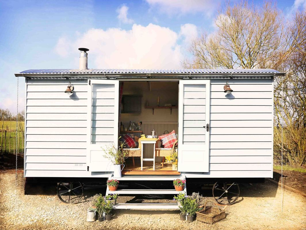 The Poachers Hut By The English Shepherds Hut Company A Fully Inclusive Shepherd Hut With An En Suite Bathroom And Ki Shepherds Hut For Sale Shepherds Hut Hut