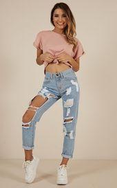 Photo of Jeans strappati Hailey realizzati in denim leggero lavaggio # design #designer #designs #d #des …