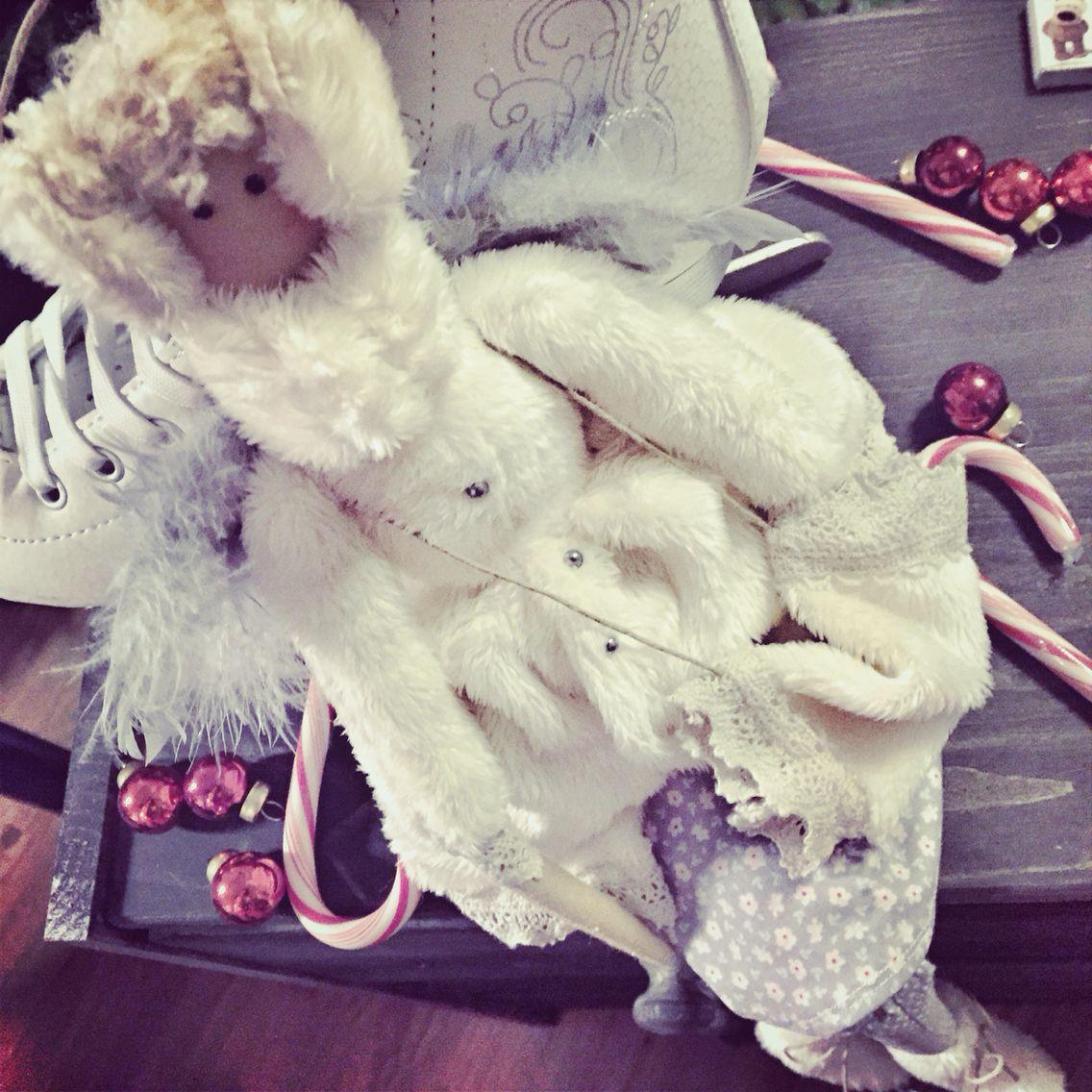 Волшебная зимняя куколка на фигурных коньках