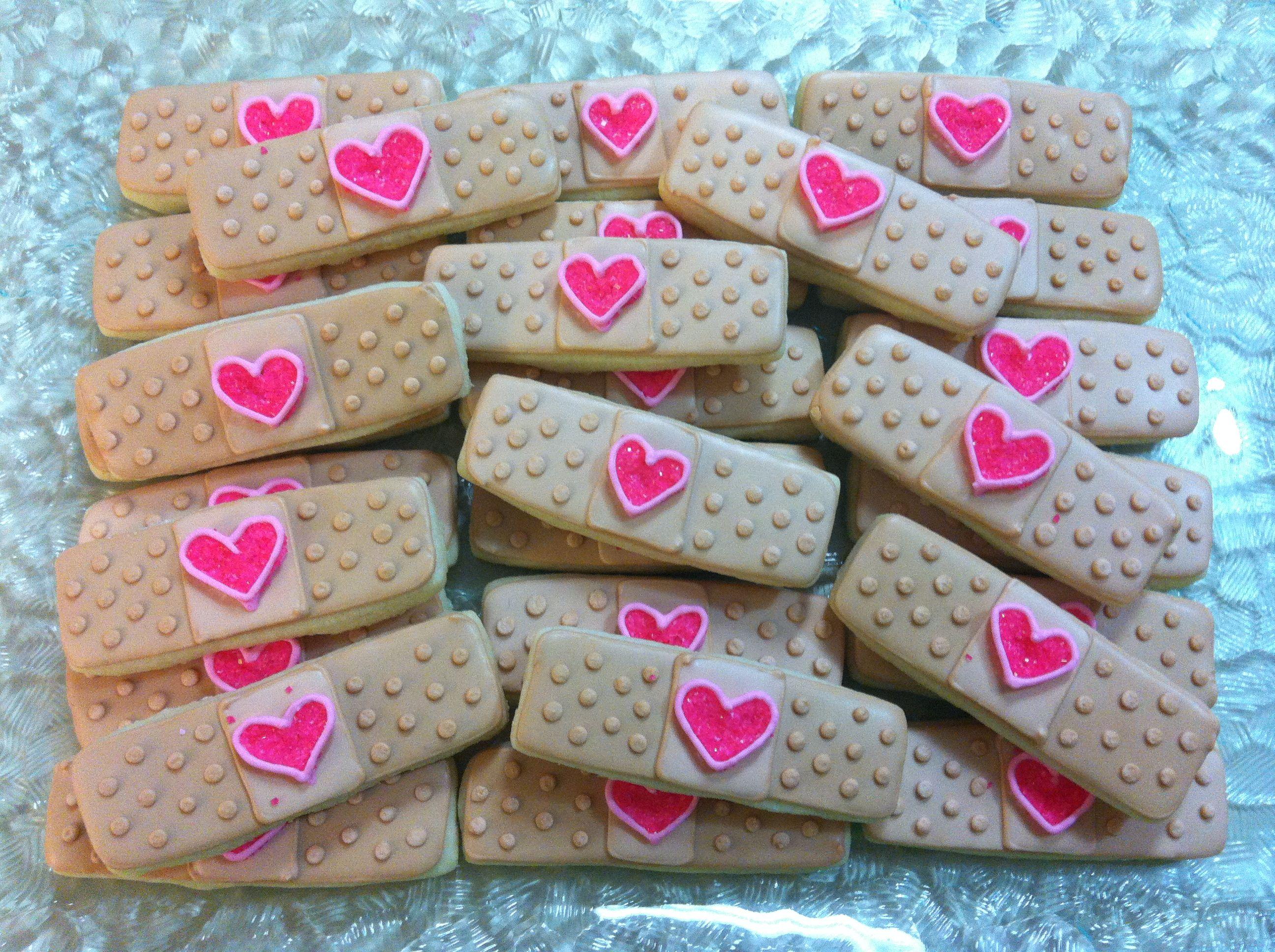 Doc mcstuffins bandages doc mcstuffins party ideas on pinterest doc - Doc Mcstuffins Sugar Cookies By Rachelle S Cookie Factory Www Facebook Com Rachellescookiefactory
