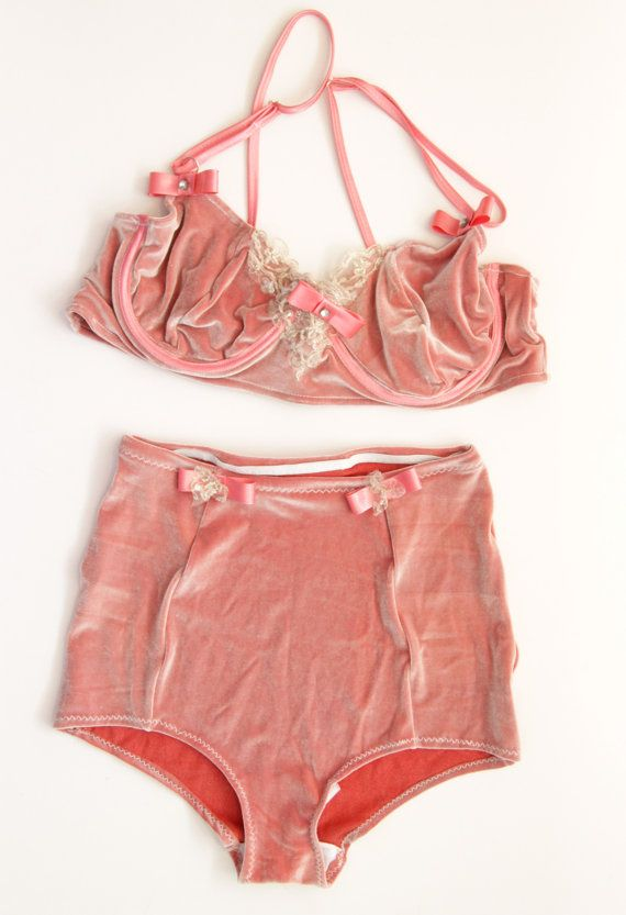 5a15218c4a CHANTALLE - light pink velvet lingerie set - Ready to ship