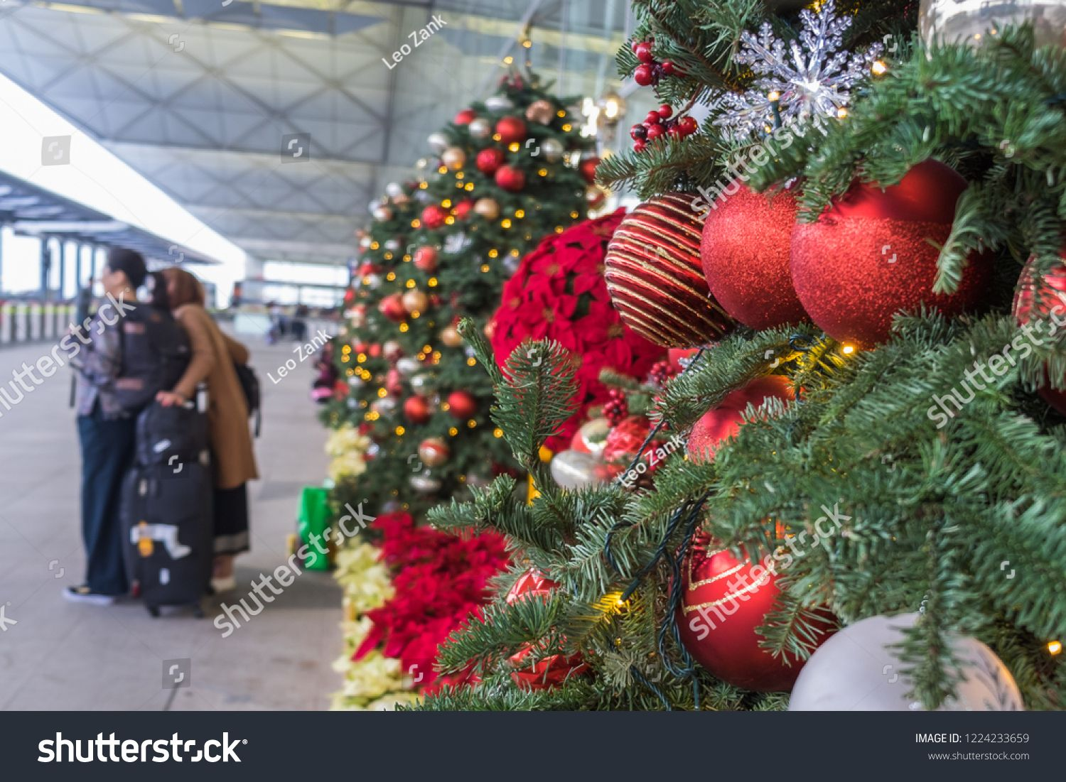 Christmas Decoration In Airport Outside Departure Zone In Hong Kong International Airport Christmas Christmas Decorations Garland Christmas Wreaths