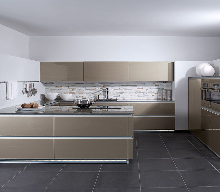 Accento Vitrin Horizon, Ingwermetallic | Zeyko Küchen