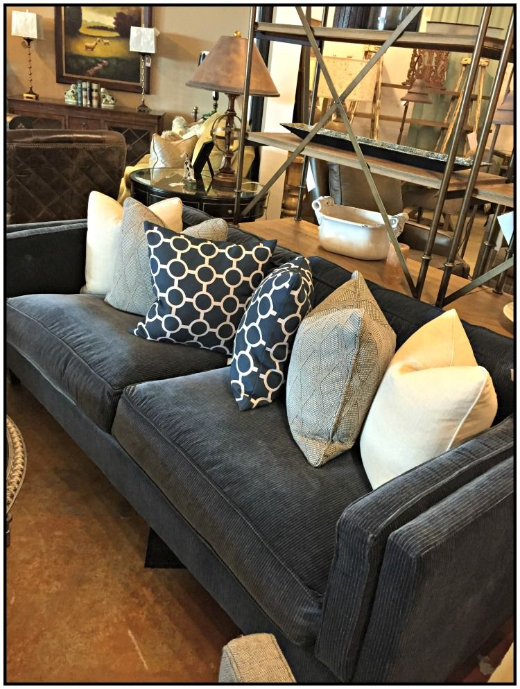 Superbe Knoxville Furniture Store   Bradenu0027s Lifestyles Furniture   Blue Sofa    Accent Pillows   Two Seater
