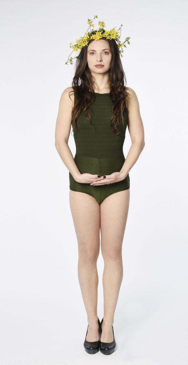 Super bequemer und sexy Body für jeden Anlass.   Perfekt in Kombination mit Hosen oder Röcken!