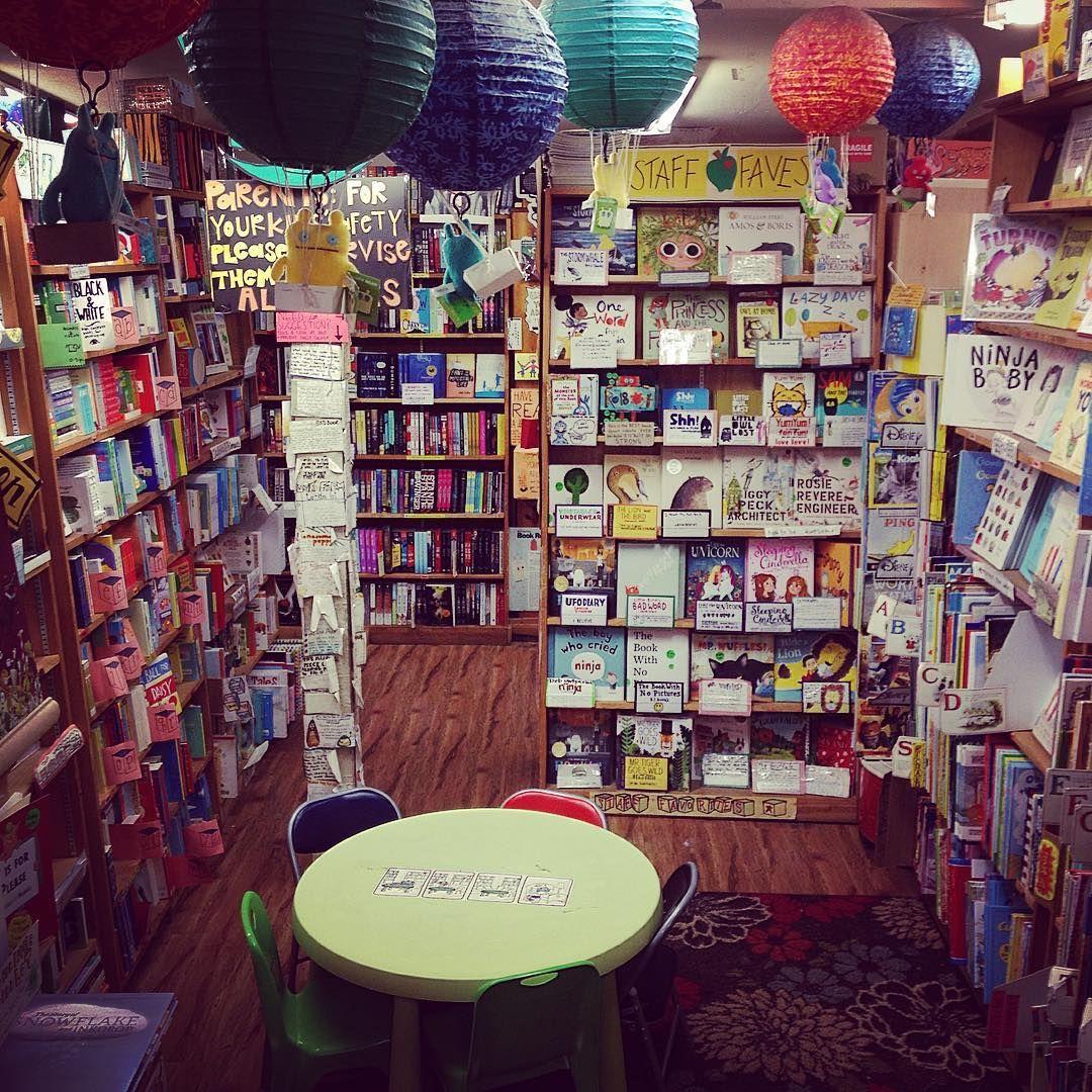 Calm before the storm #greenapplebooks #sanfrancisco #indiebookstore