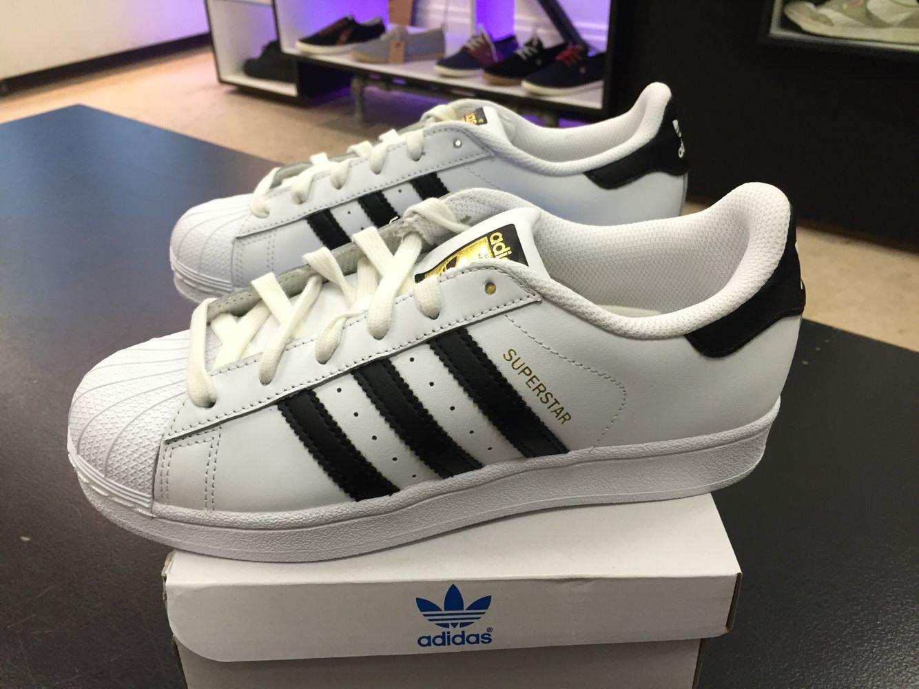super popular 8bb34 b2a60 Adidas Superstar femme wmns Blanc  noir