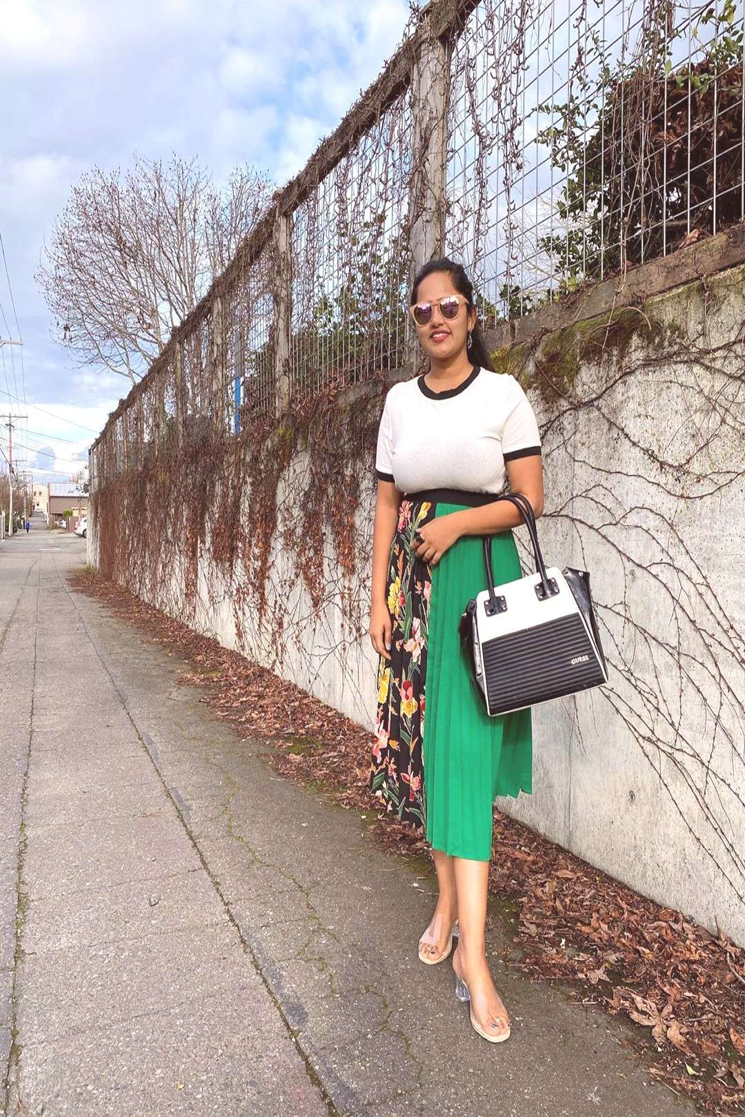 #personstanding #pleated #outdoor #skirt #lunch #yeste #wore #knit #date #with #top #and #for #a #v Wore a knit top and a pleated skirt for a Lunch date with V yesteYou can find Chic fashion and more on our websit...