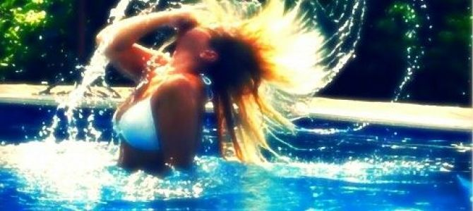 Easy Idea for PIC HAIR FLIP http://www.bubblews.com/news/4068509-water-hair-flips-photos