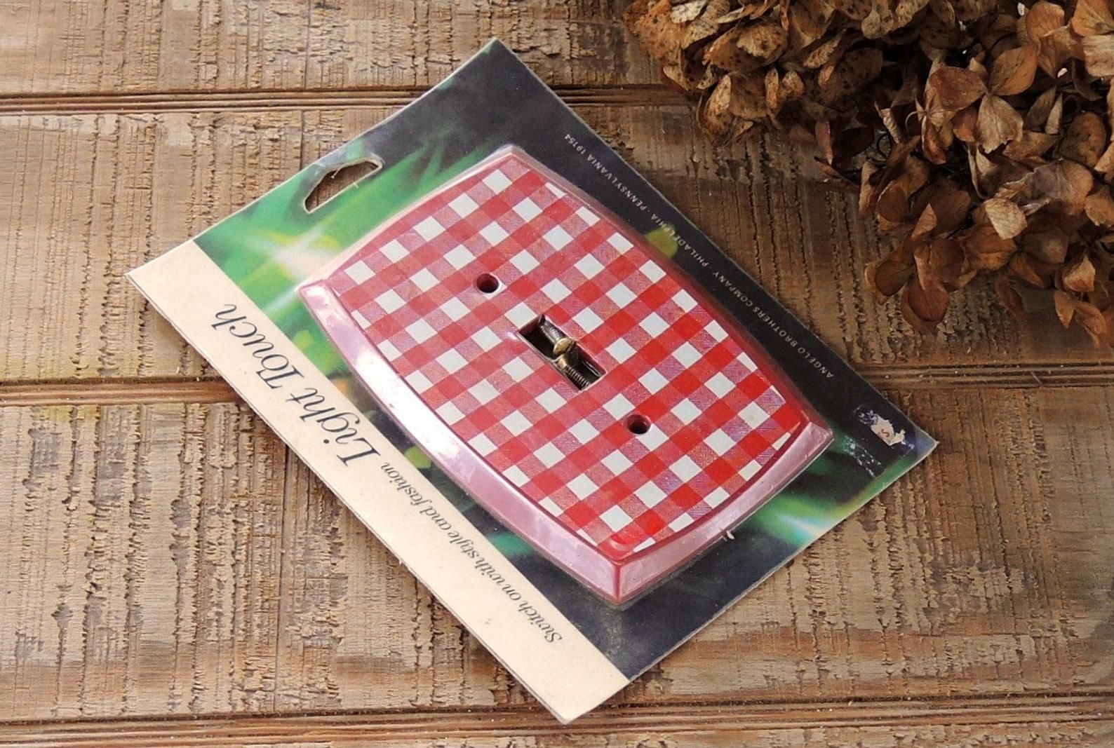 Light Touch Red Checked Light Switch Plate Cover New Old