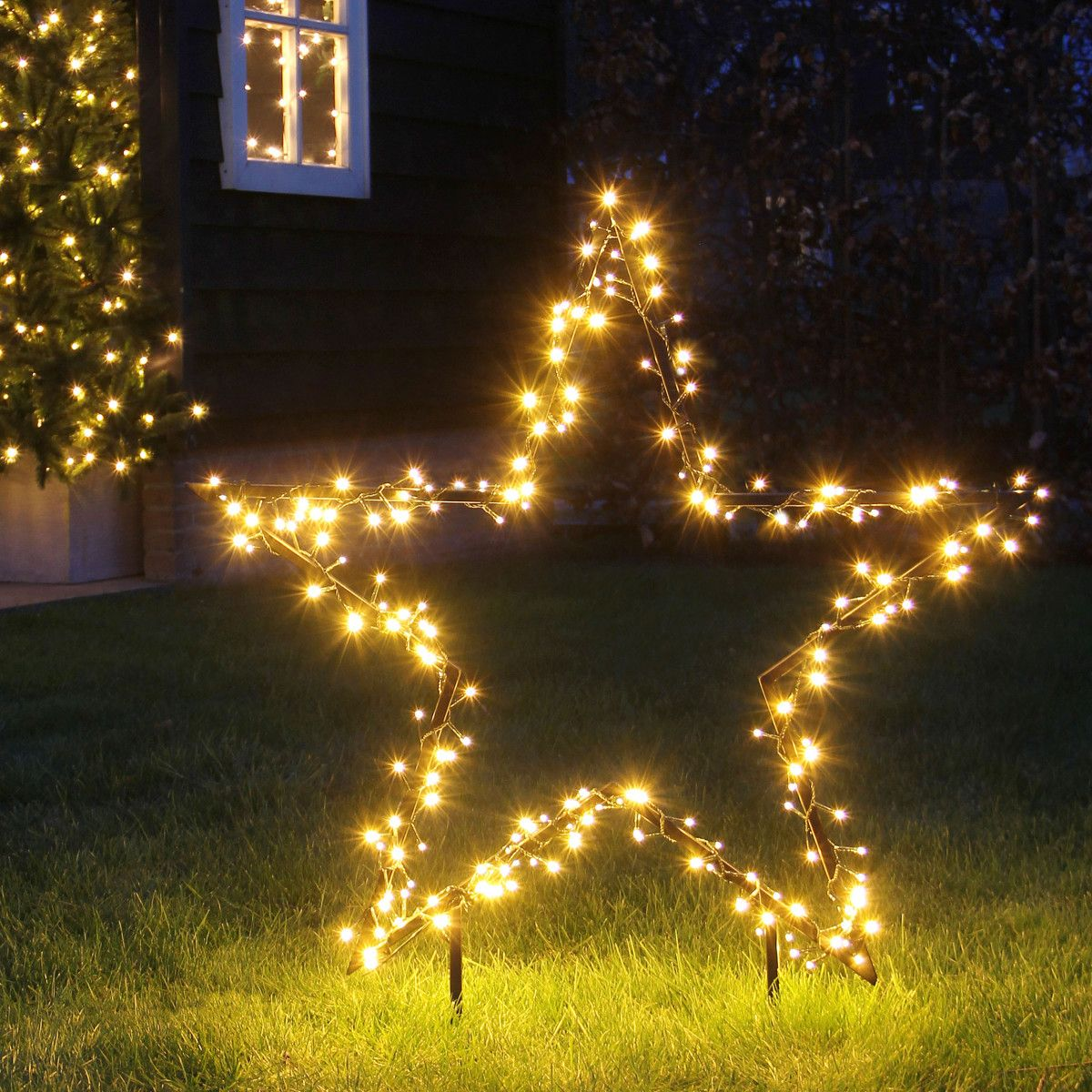 Weihnachtsbeleuchtung Zum Stecken.Pin By Ladendirekt On Weihnachten Christmas Christmas Tree Lighting