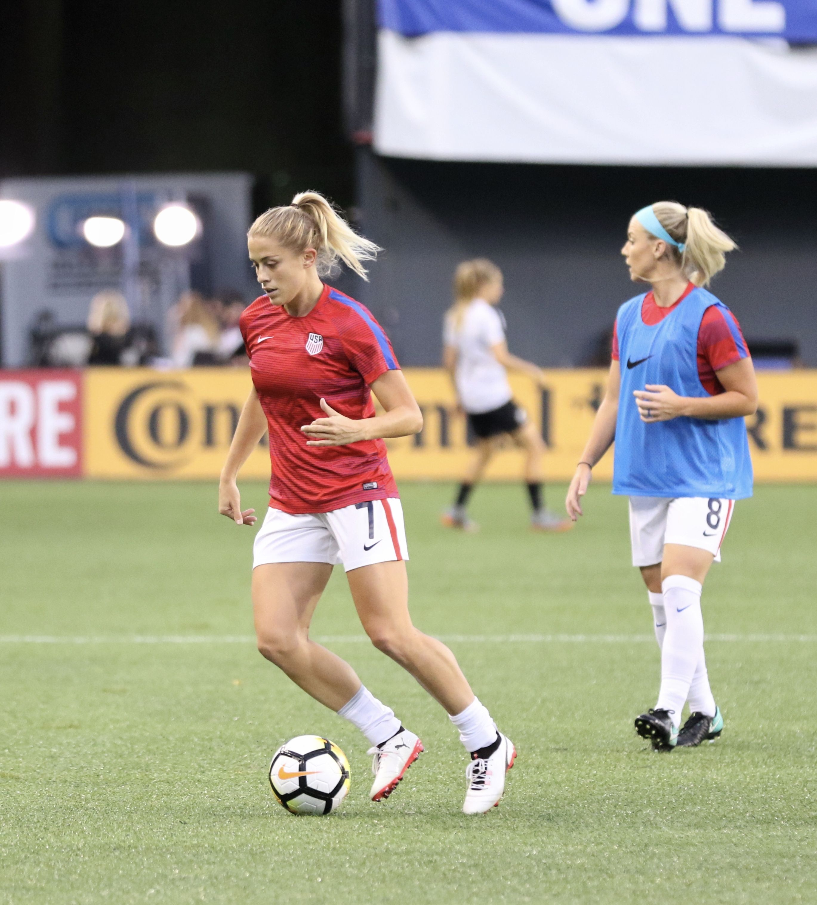 Abby Dahlkemper #7 and Julie Johnston #8, USWNT | AA Pro