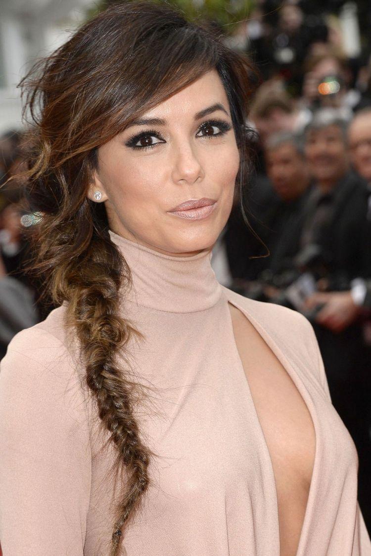 A guide to hair braiding for a side braid haareflechtenanleitung