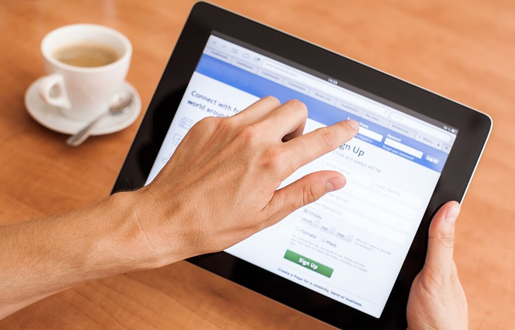 Facebook will now pay users for their voice recordings in