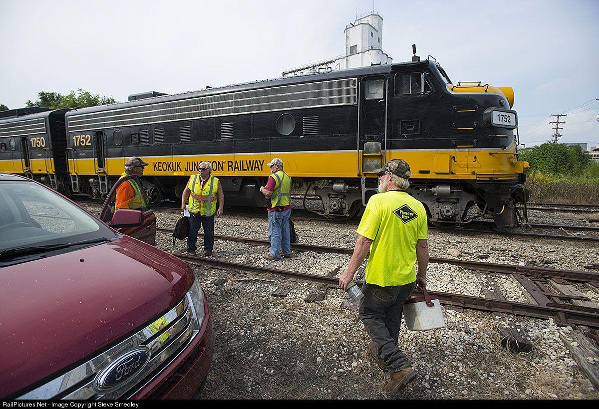 RailPictures.Net Photo: PREX 1752 Keokuk Junction Railway EMD FP9 at Bushnell, Illinois by Steve Smedley