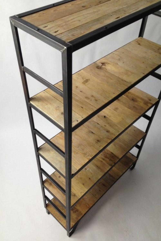 Estanterias industriales de hierro y madera / Ruffino Arquitectura Comercial
