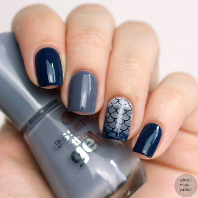Essence The Gel Nail Polish New 2016 Gossip Royal Blue