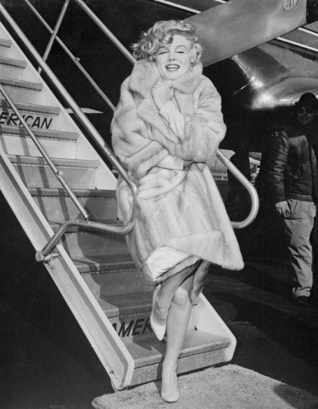 TBT: Awesome Vintage Photos of Celebrities at the Airport