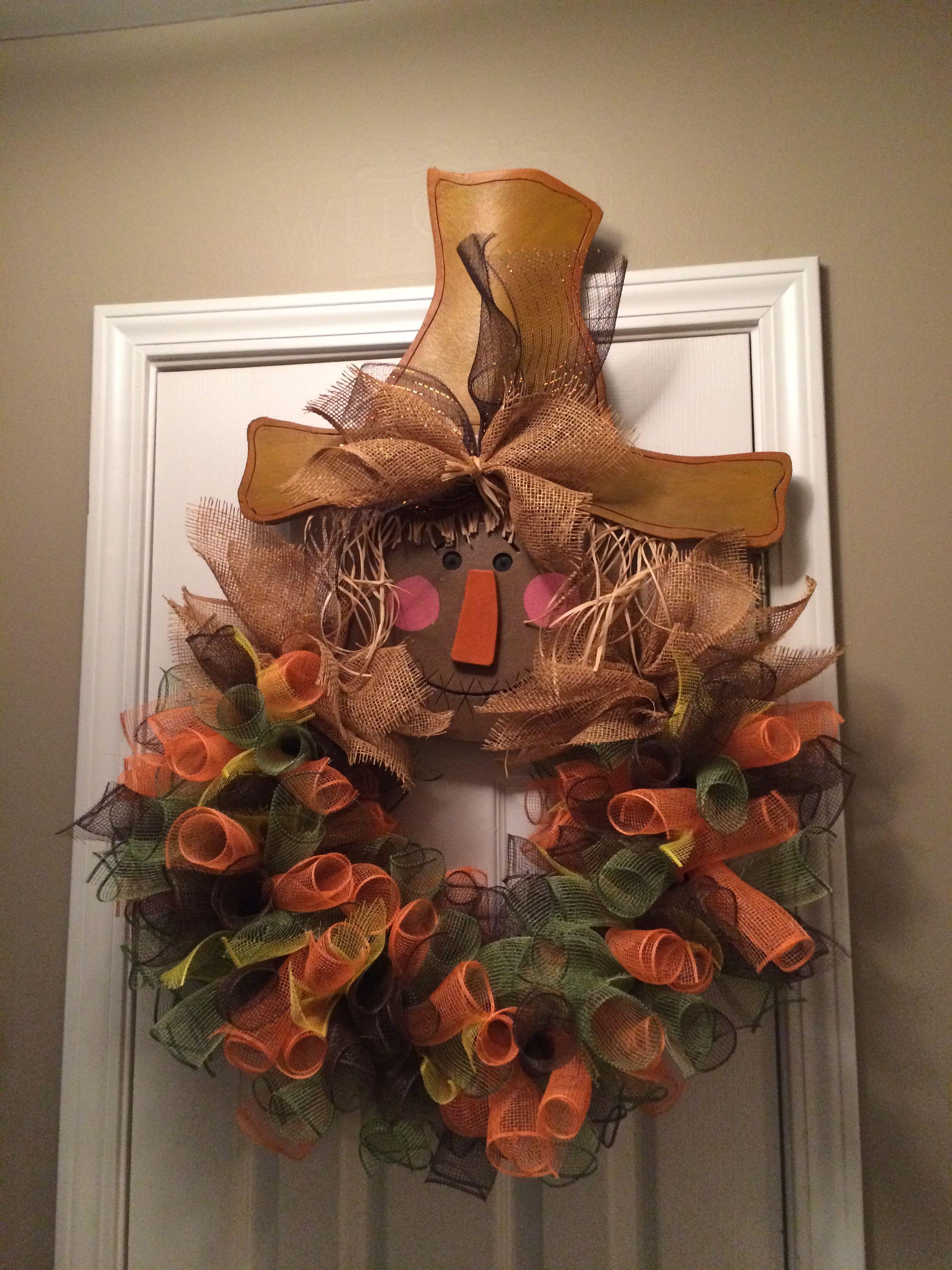 Deco mesh scarecrow door hanger with images diy wreath