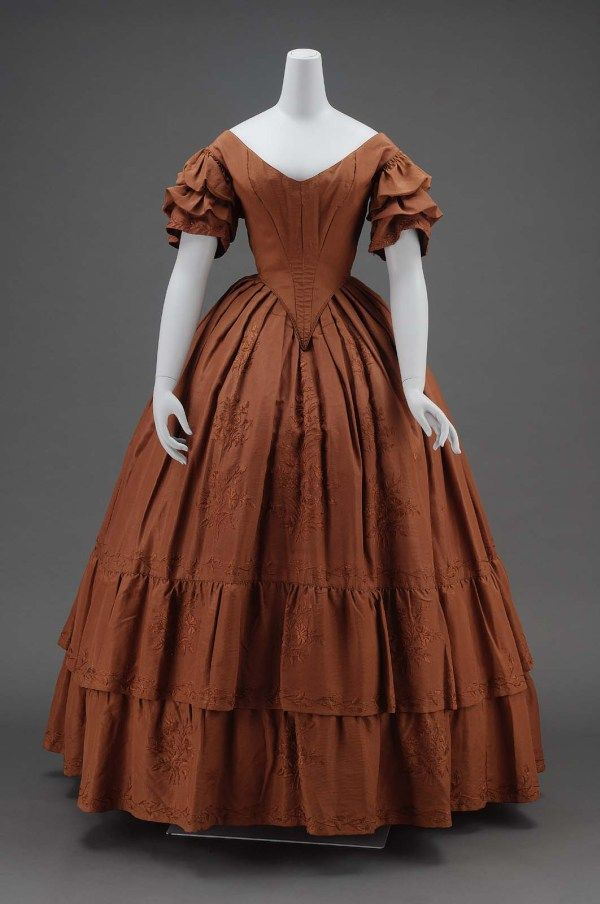 American Dinner Dress, circa 1840. Finely crafted of a russet ...