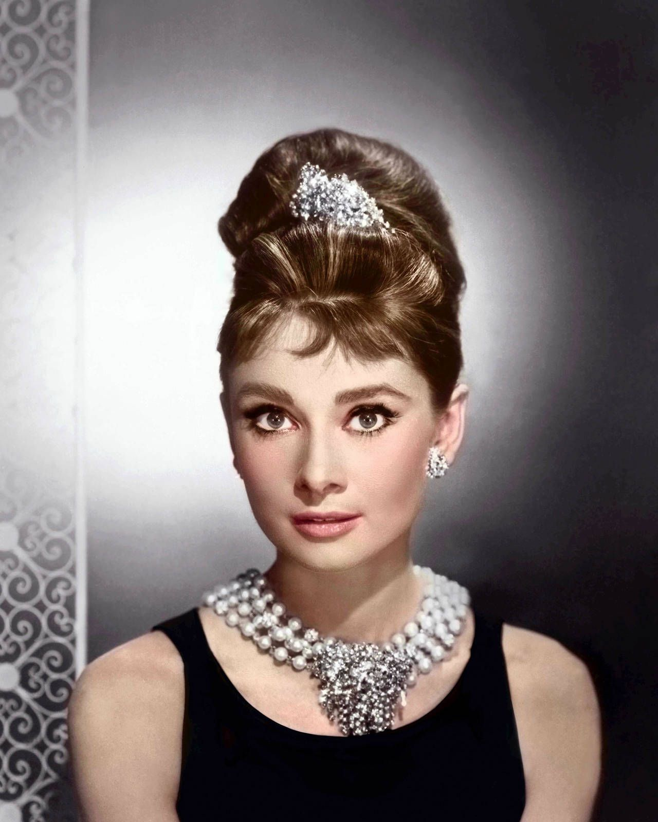audrey hepburn breakfast at tiffany's necklace - Google Search