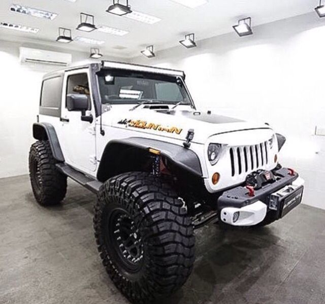 lifted 2 door jeep with rims and tires trucks vans and jeeps pinterest jeeps. Black Bedroom Furniture Sets. Home Design Ideas