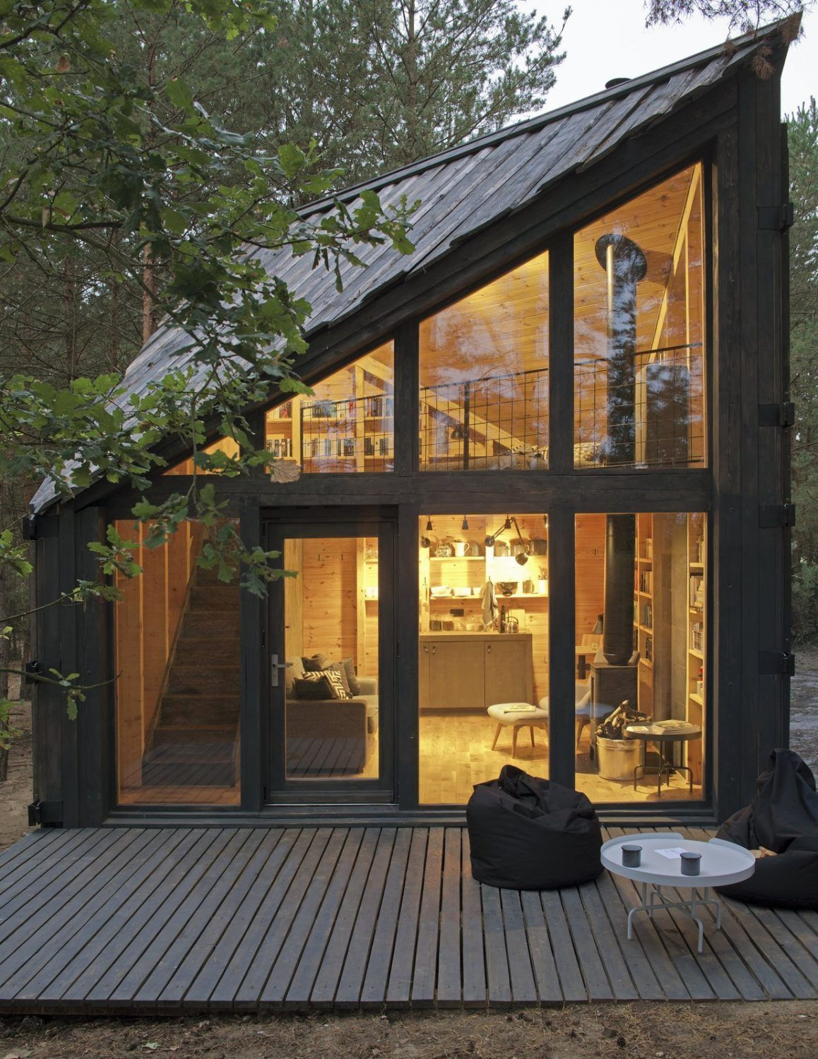 This Cozy Cabin Was Built To Be A Book Lovers Paradise In 2020 Small House Design Small House Glass Cabin