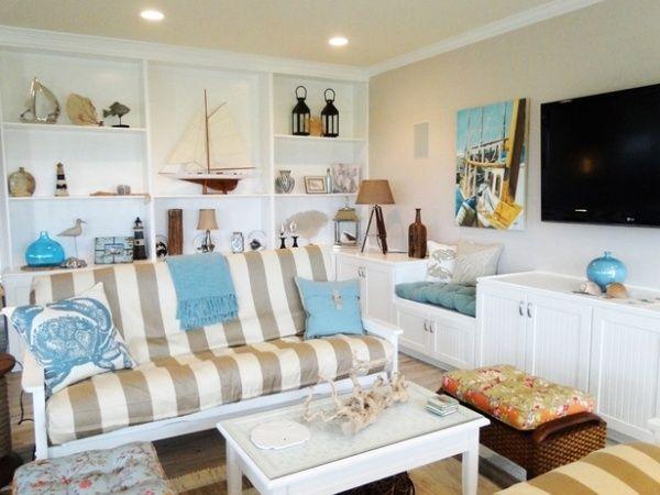 Wohnzimmer Beige Weiß Streifen Sofa Turquoise Dekoartikel ... Wohnzimmer Maritim Einrichten