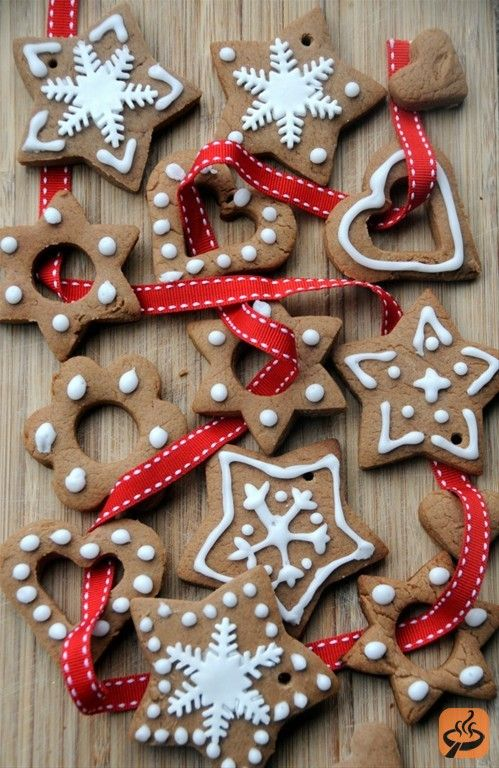 Polish spiced christmas cookies - pierniczki Recipe Christmas - polish christmas decorations