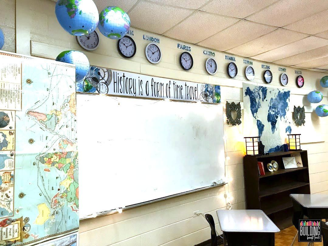 Middle School World History Classroom: Inspiration for a small and windowless classroom - Building